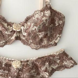 NEW Elle Macpherson China Rose Lace Set Bra Thong